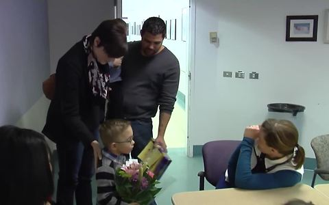 Nurse who saved fragile newborn unknowingly reunites with toddler 4 years later