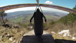 Hang Gliding From a Pilot's Point of View - Video