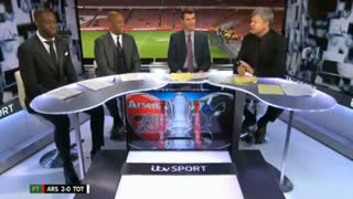 Theo Walcott trolling the Spurs fans - Video