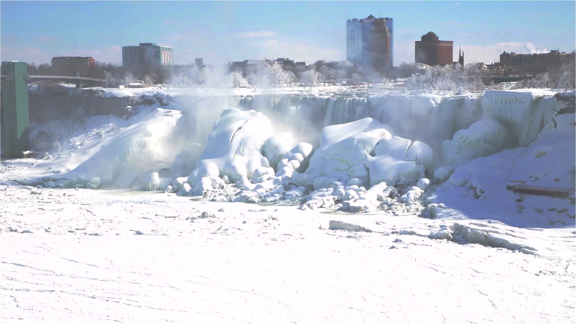 Niagara Falls Freezing Over - Video