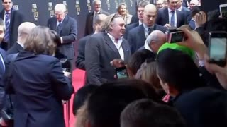 Gerard Depardieu Clocks His Russian Pride - Video