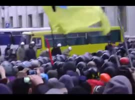 Ukraine Protesters Storm Kiev Mayor's Office - Video