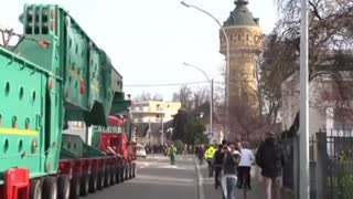 Soccer Field-Sized Convoy Travels Through Eastern Europe - Video