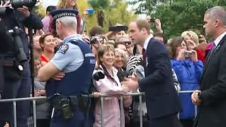 UK Royals Meet NZ Wellwishers - Video