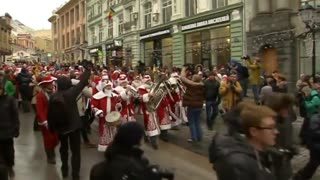 Russian Santas Collect Toys For Cancer Patients - Video