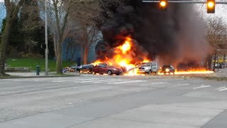 News Helicopter Crash Near Seattle Space Needle - Video