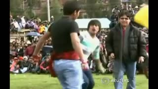 Annual Peruvian Slugfest Irons Out Conflicts Before New Year - Video