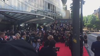 Security Ejects Women Dressed as Sausages at Australian Academy Awards - Video