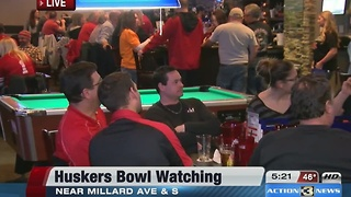 Husker fans at the bar 5pm - Video