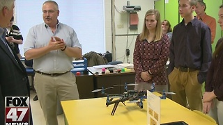 Governor Snyder visits local high school - Video
