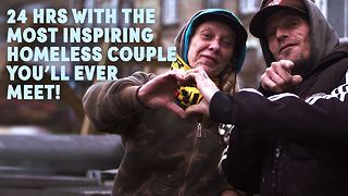The homeless couple changing lives with Facebook & food - Video