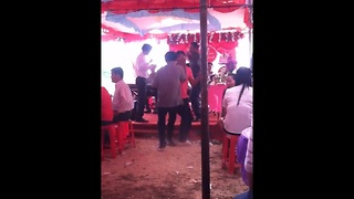 Drunk guy tears up dance floor at wedding reception * - Video
