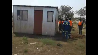 People left homeless as shacks are flattened in Rustenburg (oQc)