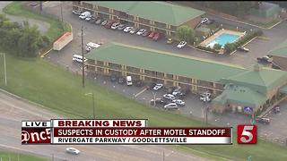 4 In Custody, Questioned After Hotel Barricade Situation - Video