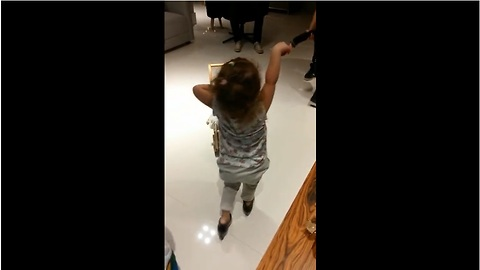 This Cute Girl Can Dance The Flamenco Like A Pro
