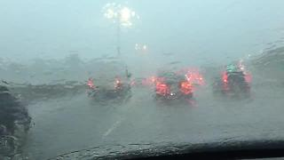 Tough commute I-43/94 south toward downtown Milwaukee - Video