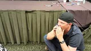Young Girl Meets the Voice of Shaggy at Horror Convention - Video