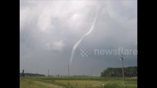 Tornadoes touch down in North Dakota - Video