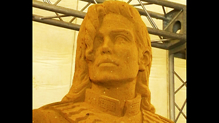 Giant Michael Jackson Sand Sculpture - Video