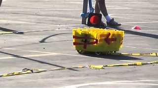 Students Build Robotic Boxes and Race Them - Video