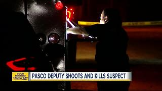Man dies after being shot by deputies for charging at them with knife - Video