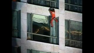 Spiderman Climbs Beirut Hotel - Video