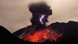 Rare Footage Of Volcanic Lightning - Video