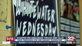 Kernville businesses busy despite Schaeffer Fire smoke - Video