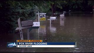 Silver Lake residents ask Fox River crests - Video