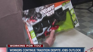 Rexnord workers wrap gifts for hospitalized kids - Video