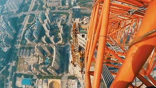 These Brave Daredevils Are Free Climbing On A 2,165 Foot Skyscraper - Video