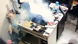 Security camera captures moment smart phone explodes - Video