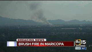 Brush fire burning in Maricopa - Video