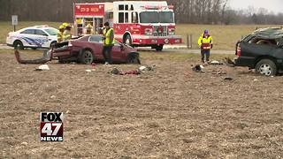 Two-car crash sends both drivers to the hospital - Video