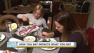 TV on or off? Dinner table? Coffee table? How a family eats impacts what they eat, study says