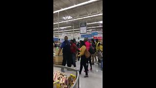 Terrifying brawl breaks out at Wallmart in New Jersey, USA - Video