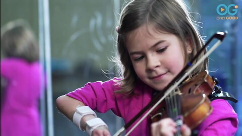 8-year-old Violinist Excels Despite Hand Disability
