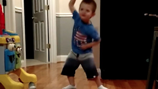 Adorable three year old dancing to Taylor Swift