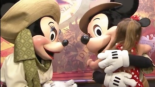 Top 5 Surprising Things Disney Parks Don't Allow - Video