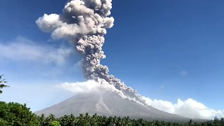 Ash Spews From Mayon Volcano as Alert Level is Raised - Video