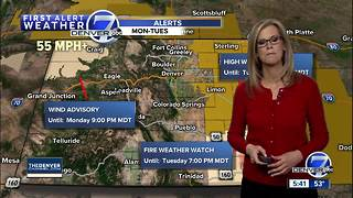 Mostly clear skies tonight, sunny and warm tomorrow in Denver - Video