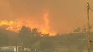Fire Whirls Spotted as La Tuna Fire Burns North of Los Angeles - Video