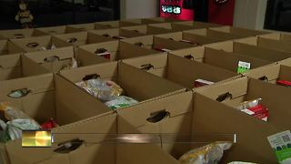 Morgan Burnett's foundation hosts Turkey Drive for families in need - Video