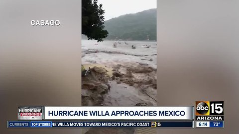 Hurricane WIlla closes in on Mexico
