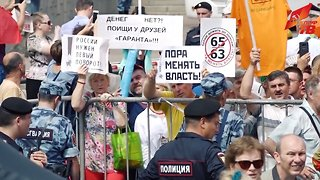 Thousands In Russia Protest Proposal That Would Raise Retirement Age - Video
