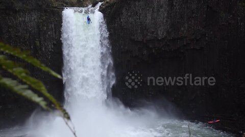 Courageous professional kayaker descends monster 90ft waterfall in Oregon