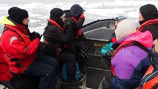 Tourists get stranded in Antartica sea ice - Video