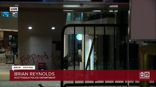 Looters break into stores at Scottsdale Fashion Square mall