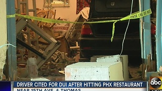 Driver cited for DUI after hitting Phoenix restaurant - Video