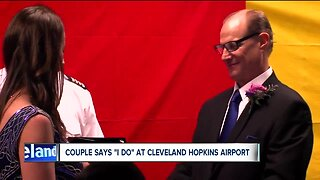 Local couple gets married at Cleveland Hopkins baggage claim